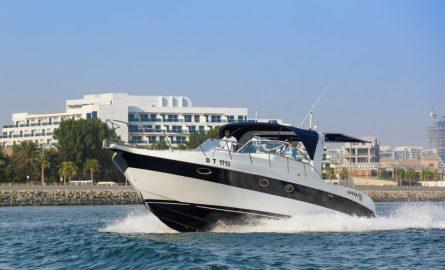 Yacht günstig chartern in Dubai