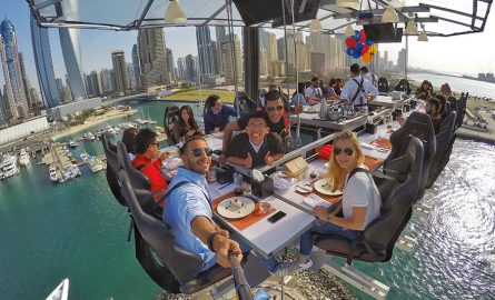 Abheben mit dem Dinner in the Sky in Dubai