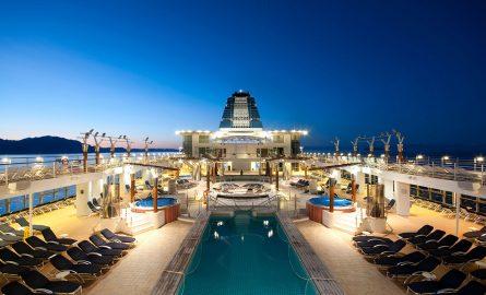 Pool eines Kreuzfahrtschiffes